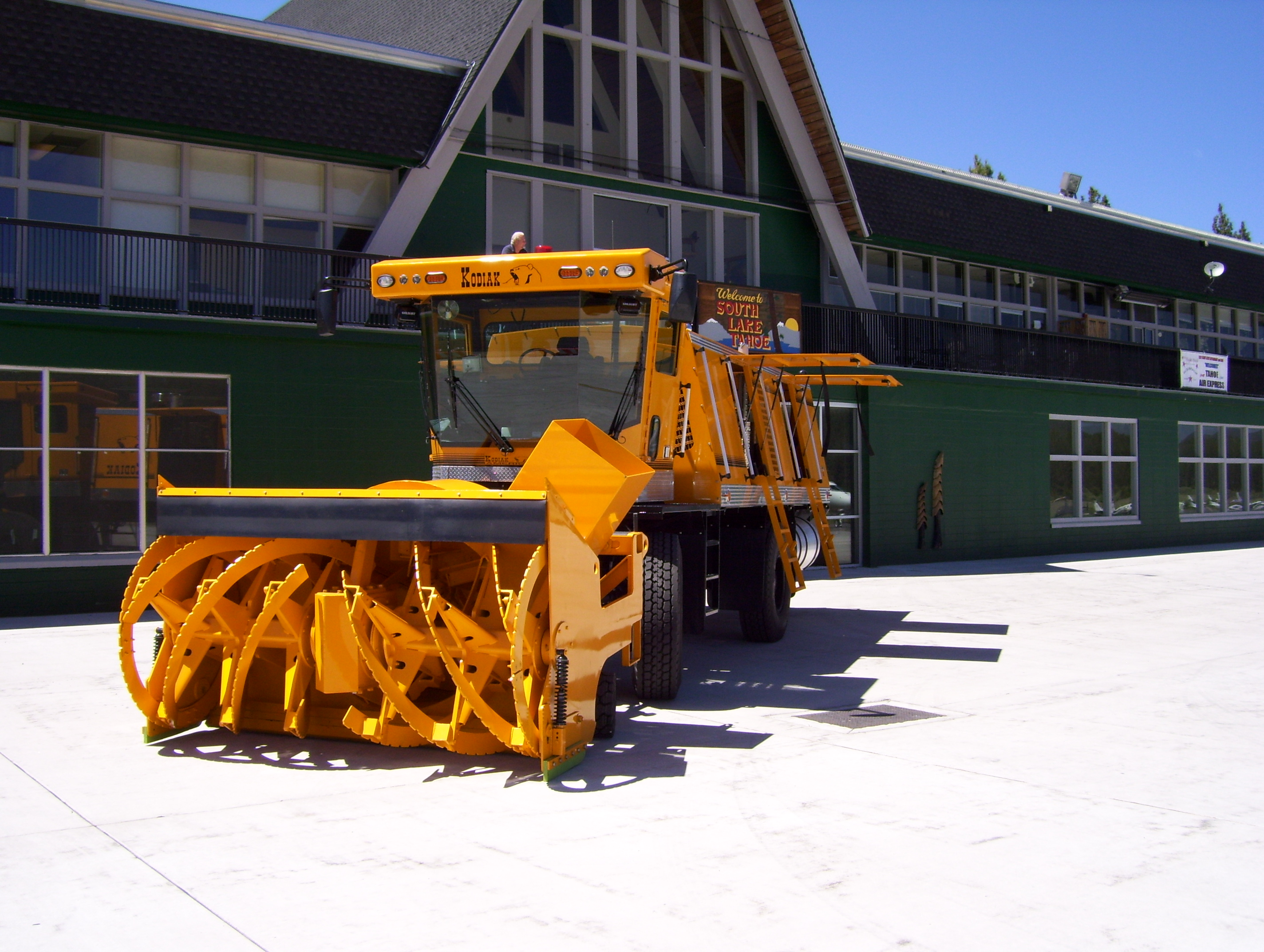 Snow Blower for Airport (2)